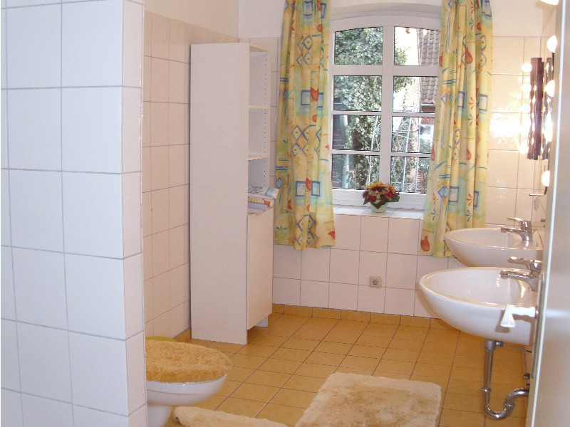 Badezimmer unten Ole Peerstall