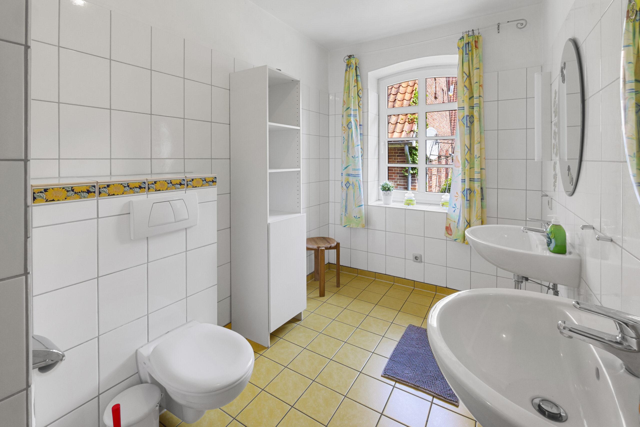 Ferienhaus 1_Badezimmer_1